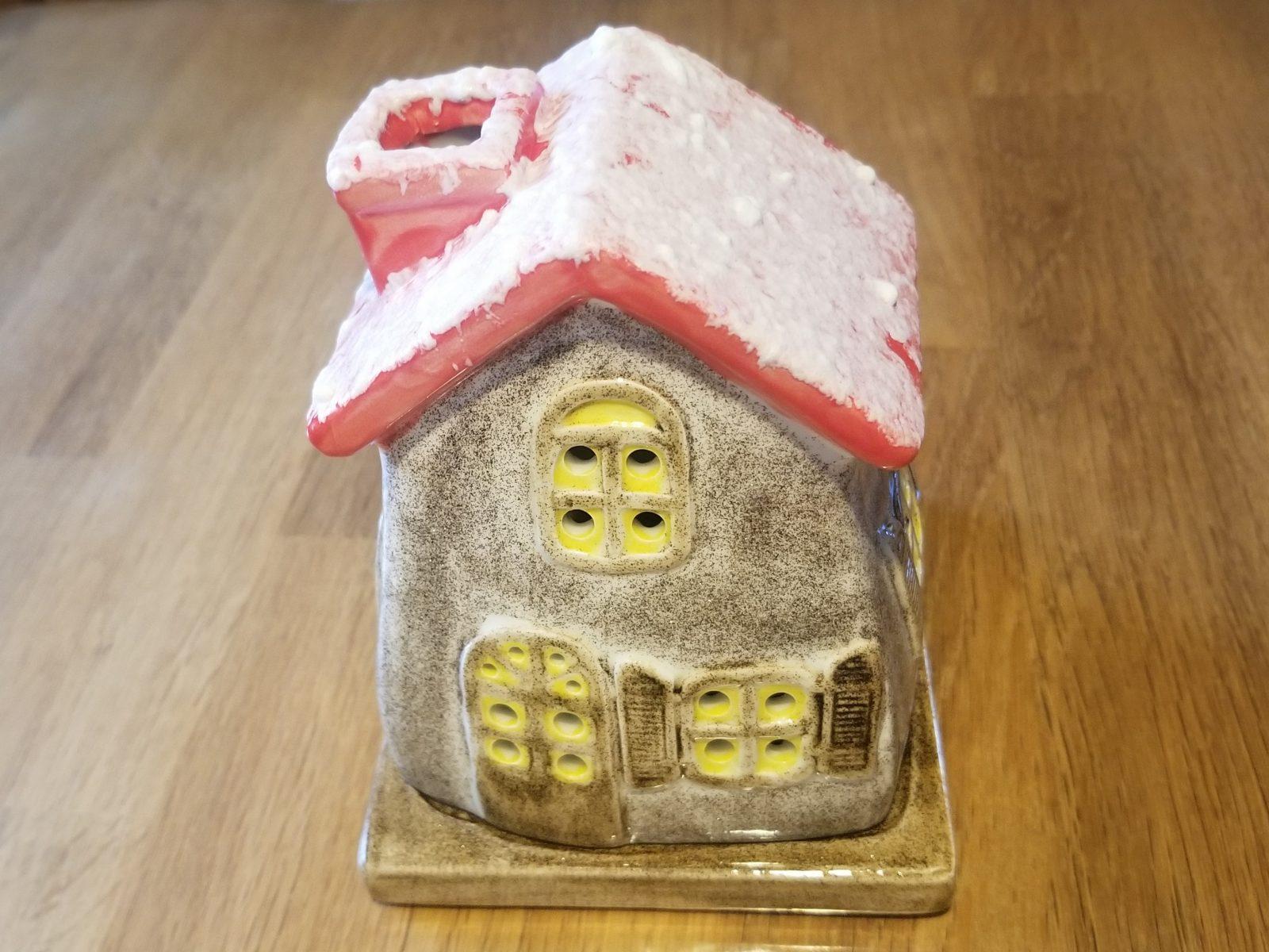 Keramik Teelicht-Häuschen verschneit