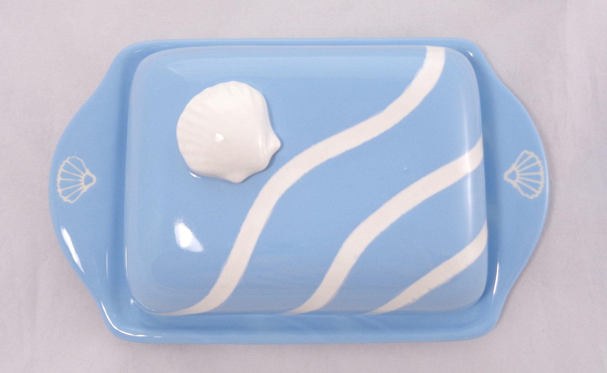 Bemalte Keramik Butterdose Muschel blau