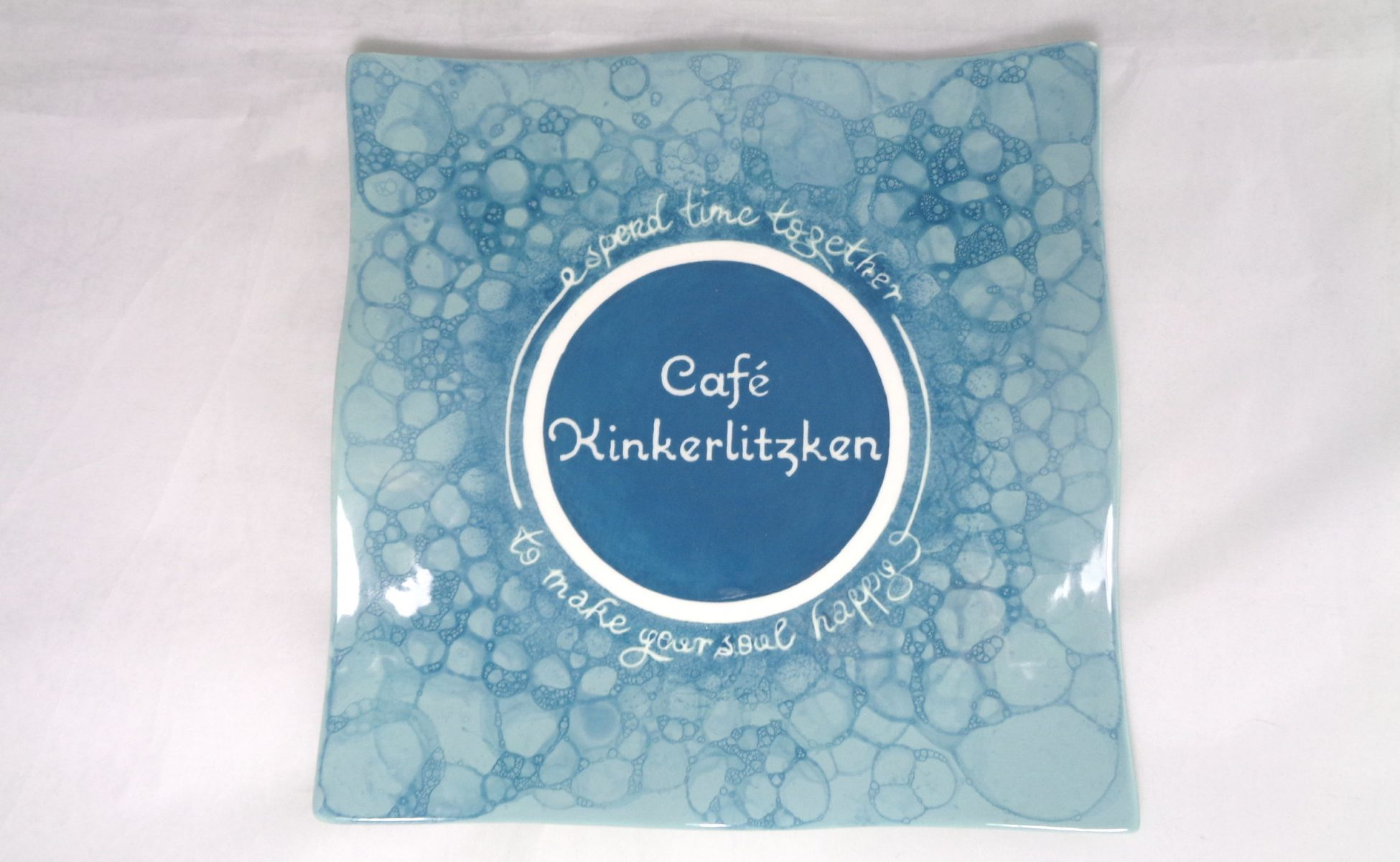 Bemalte Keramik Cafe-Kinkerlitzken-Wellenteller Blubber