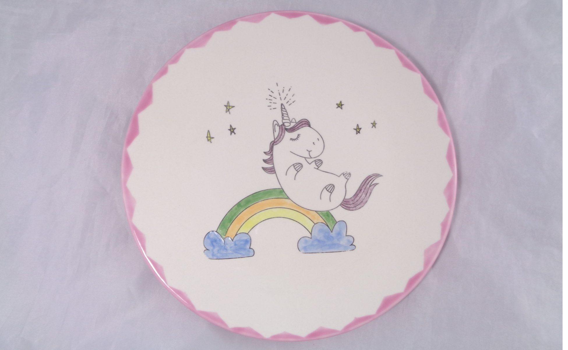 Bemalte Keramik Einhorn Teller Regenbogen