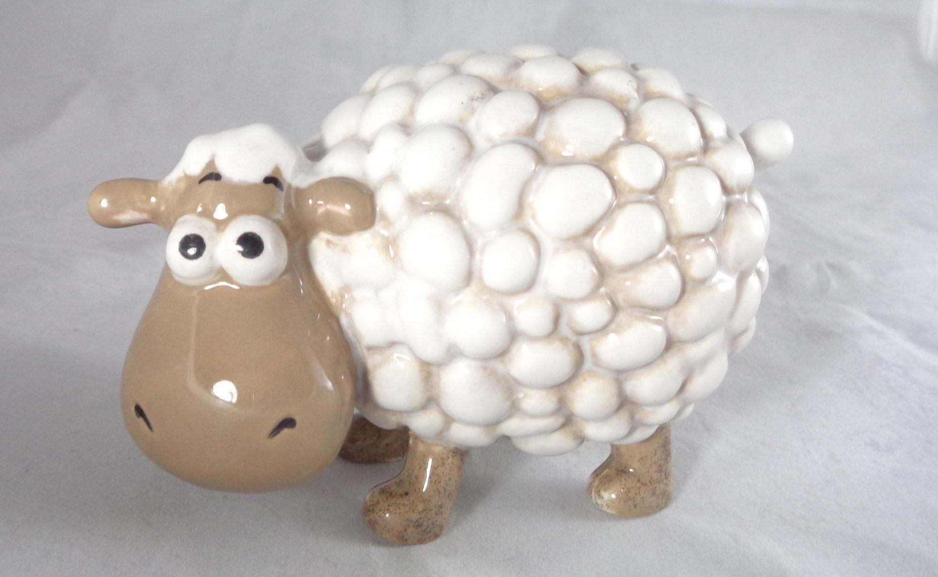 Bemalte Keramik Fluffi das Schaf