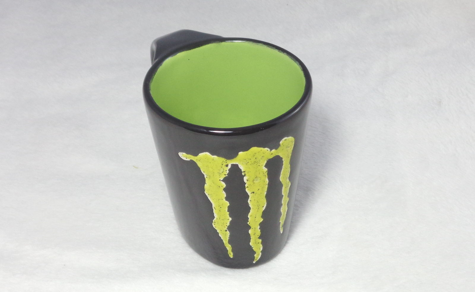 Bemalte Keramik Kafeebecher Monster