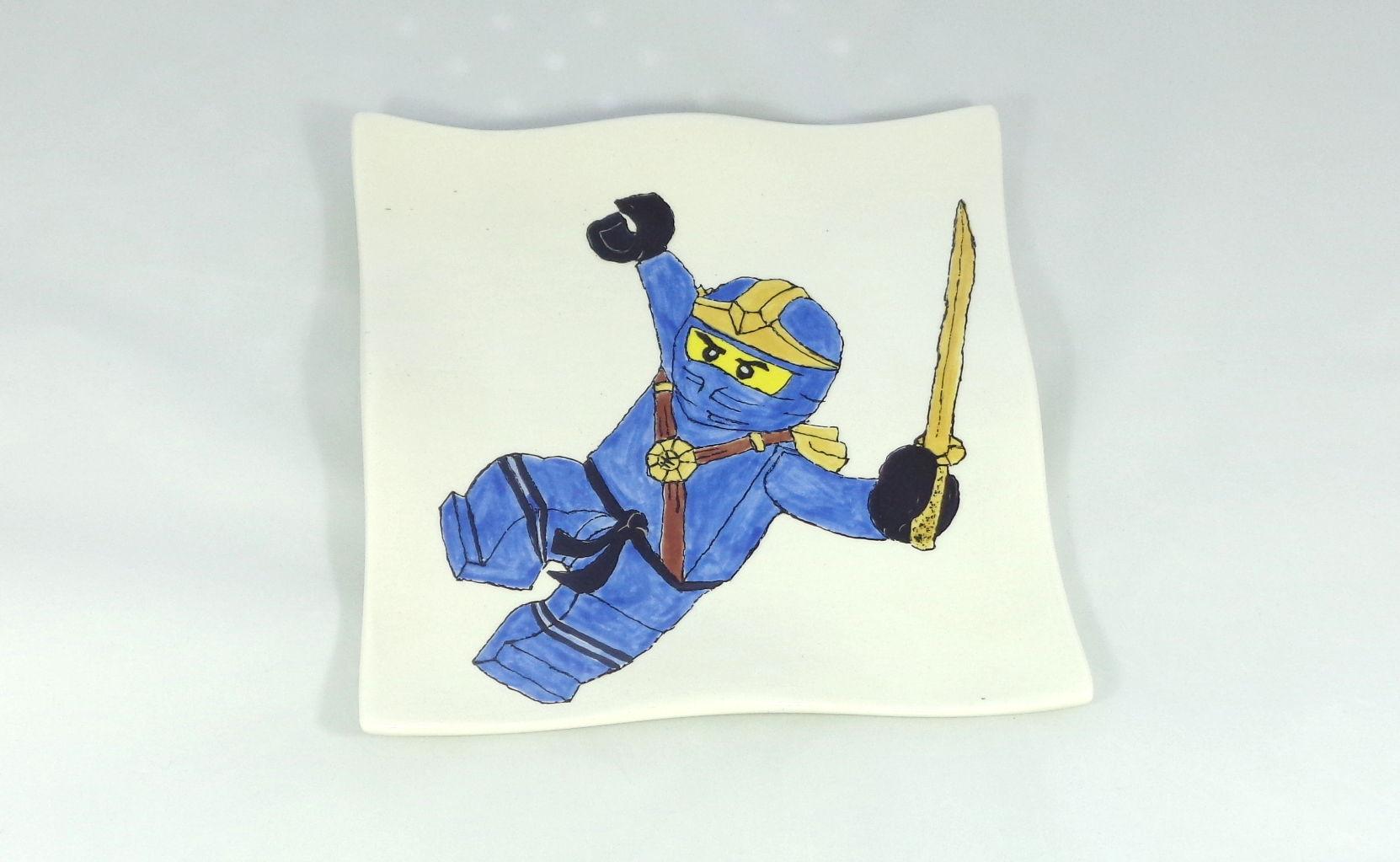 Bemalte Keramik Wellenteller blauer Ninja