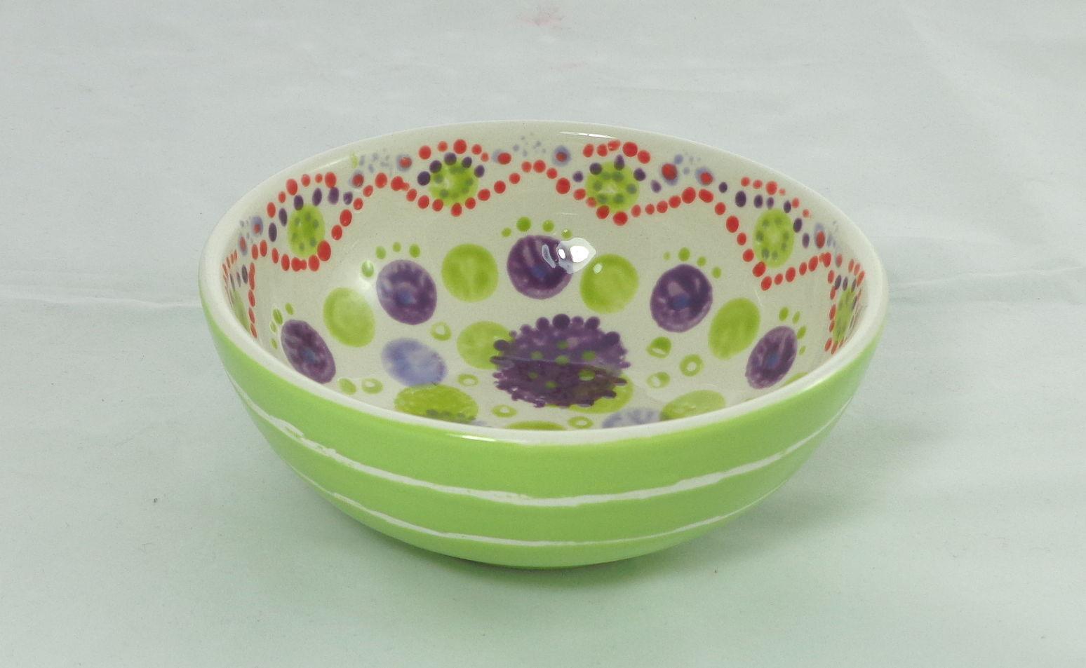 Bemalte Keramik Müslischale grün mit Punkten