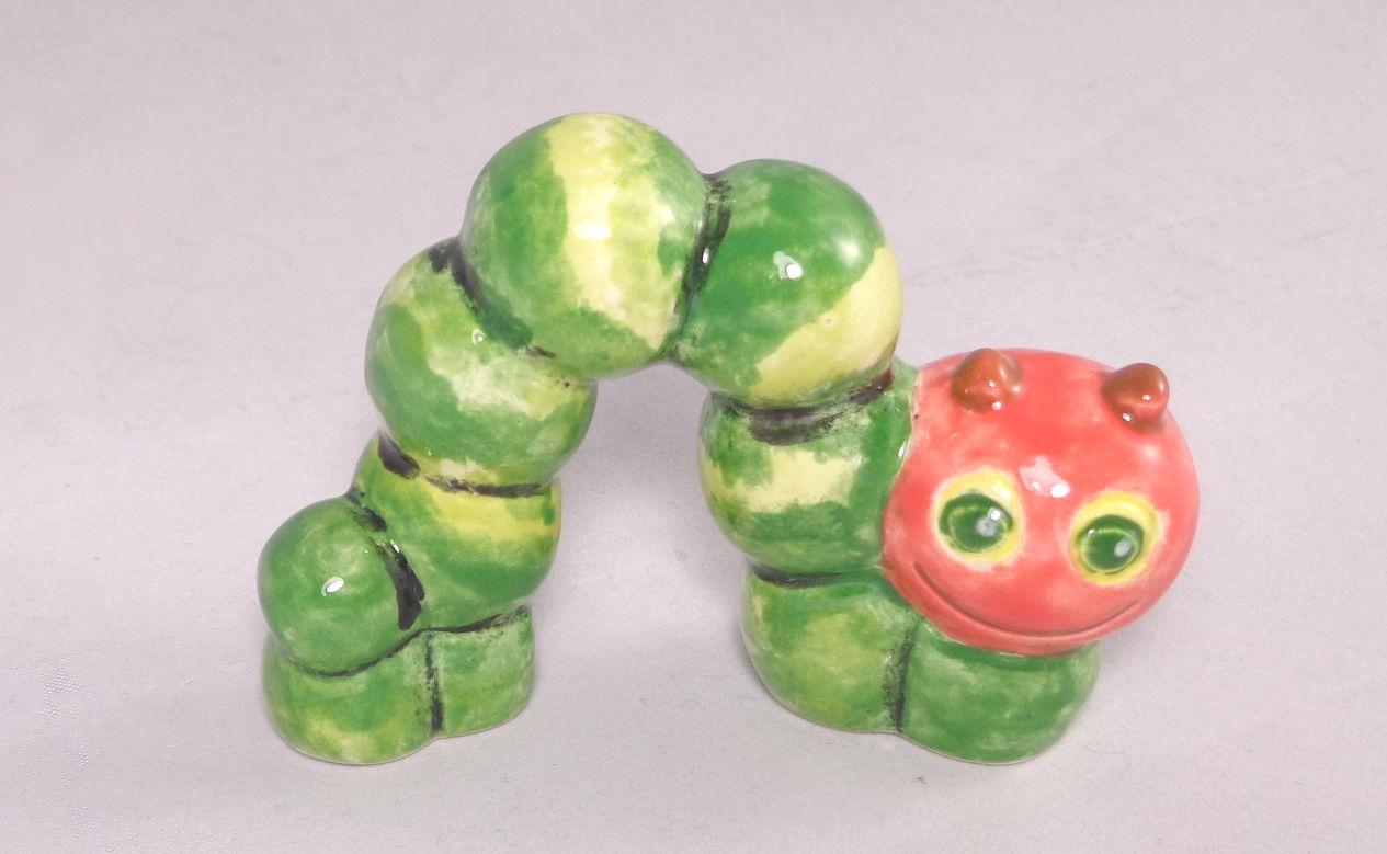 Bemalte Keramik Raupe Nimmersatt