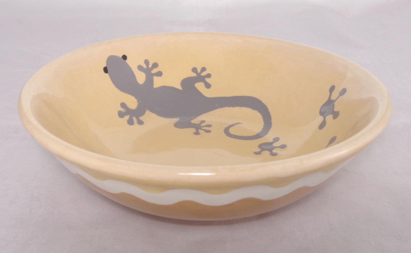 Bemalte Keramik Schale mit Gecko