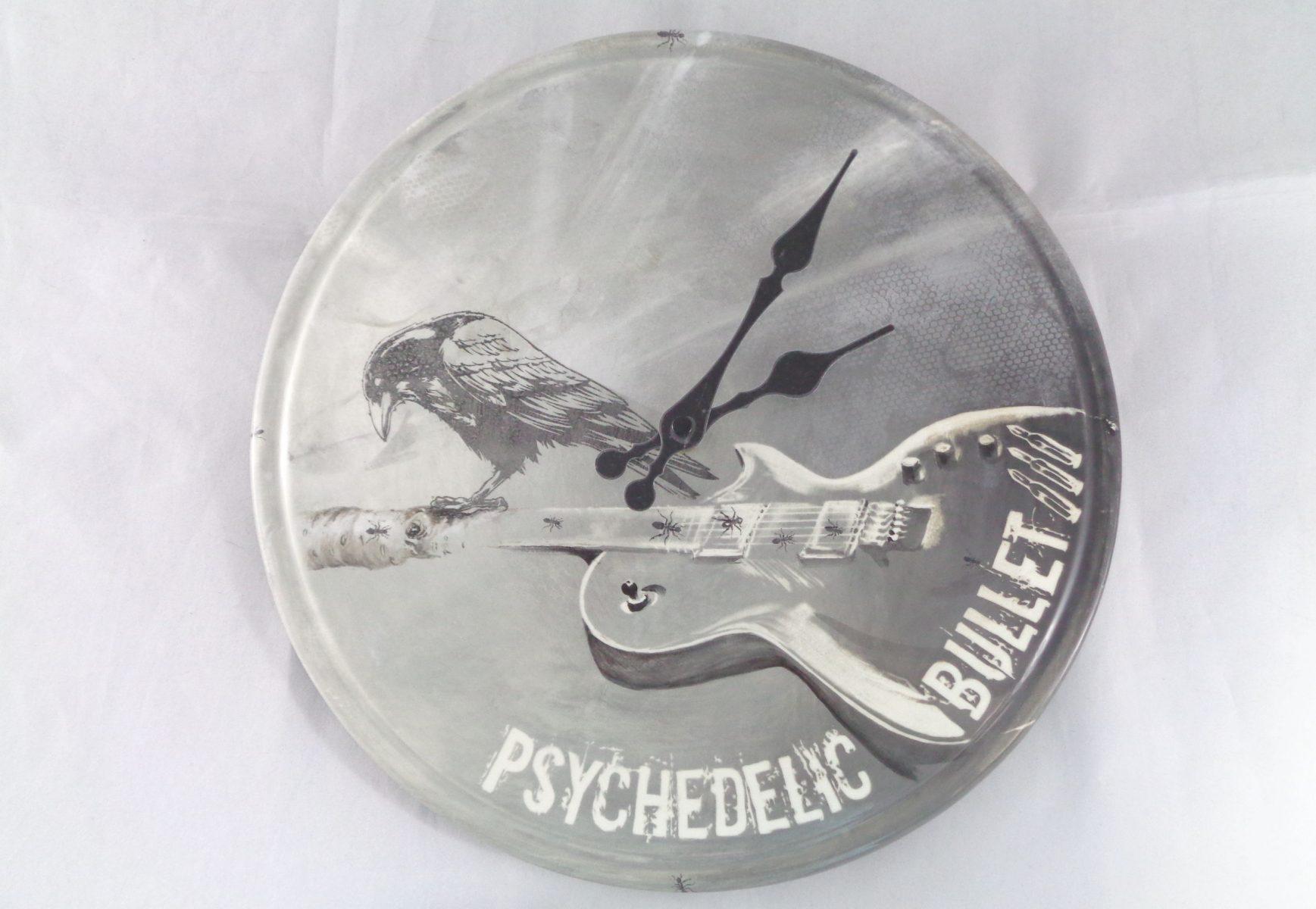 Bemalte Keramik Uhr Psychedelic Bullet