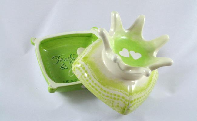 Bemalte Keramik Schmukdose