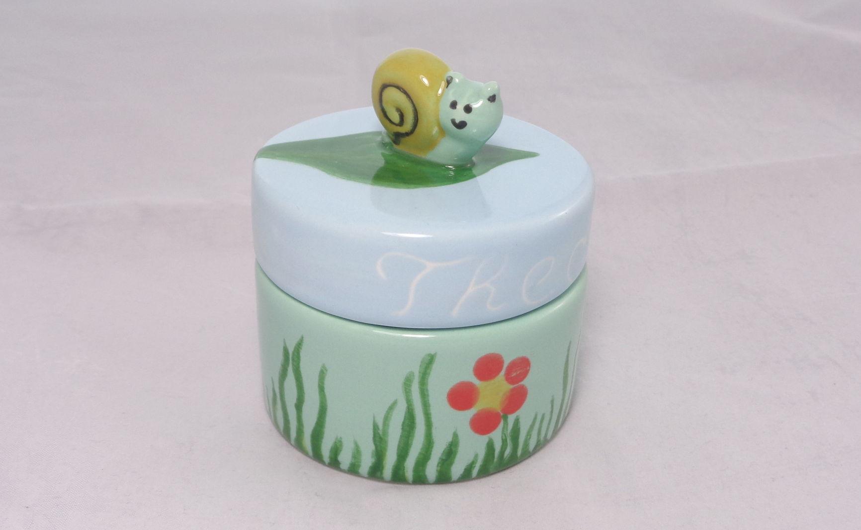 Bemalte Keramik kleine Wurm-Dose