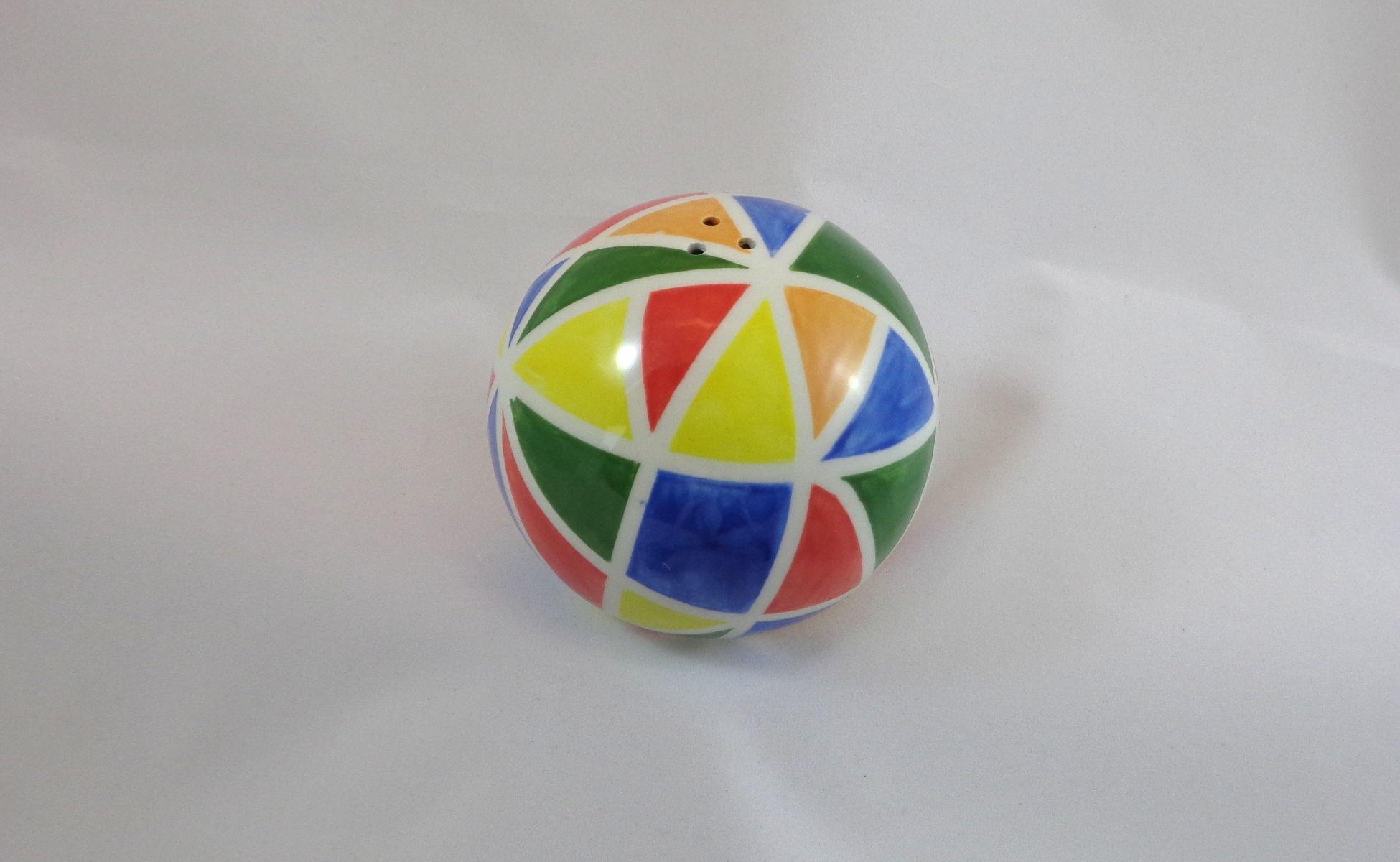 Bemalte Keramik Salzstreuer bunt