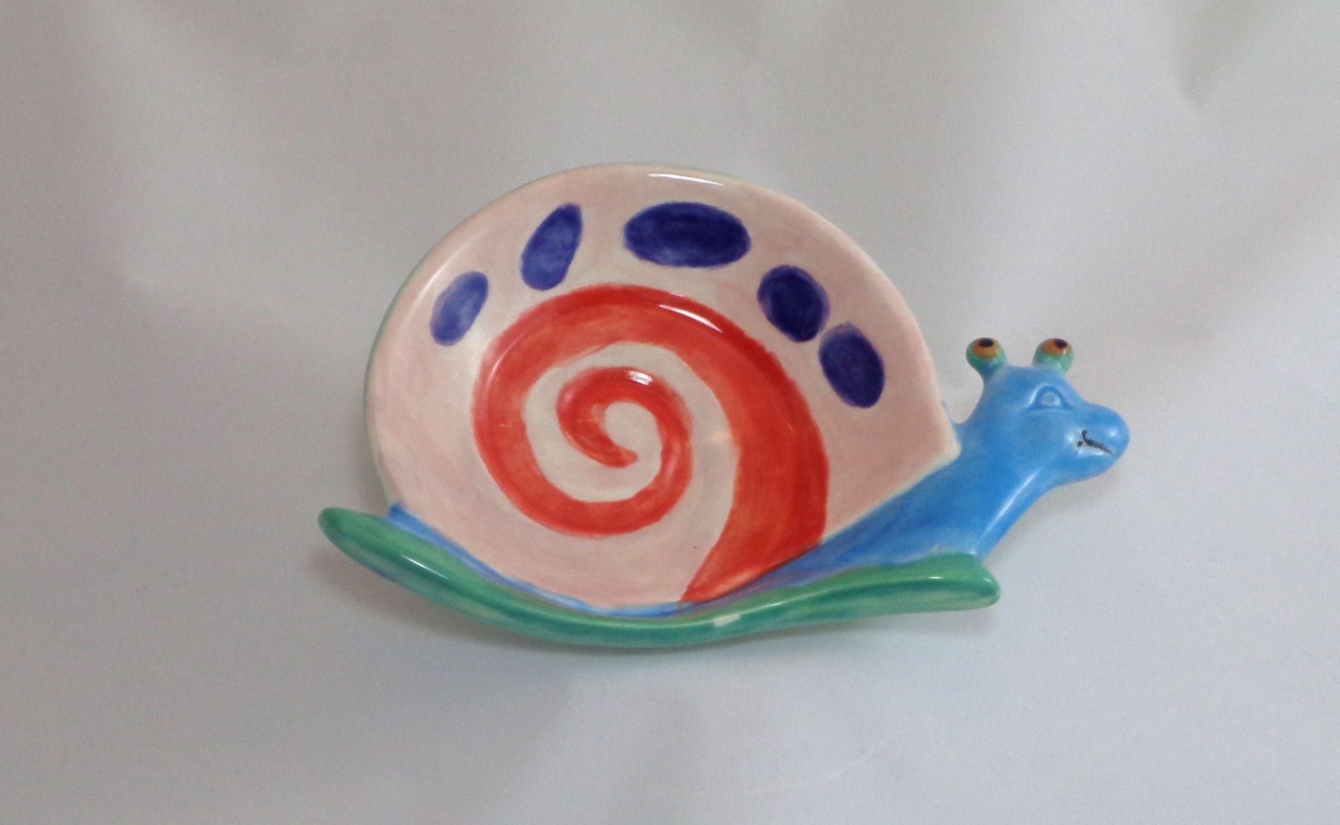 Bemalte Keramik Schnecken-Teller Gary